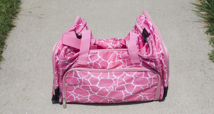 Wildkin Pink Giraffe Weekender Review - Theresa's Reviews - www.theresasreviews.com