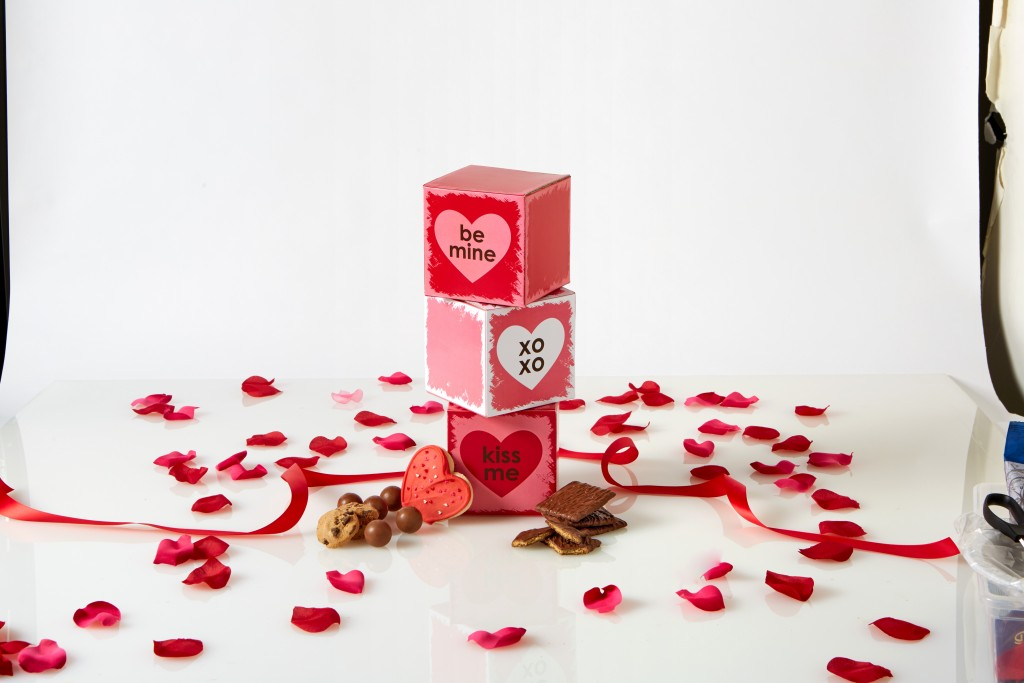 Valentine's Day Gift Guide - Featuring 1-800 Baskets - Theresa's Reviews - www.theresasreviews.com