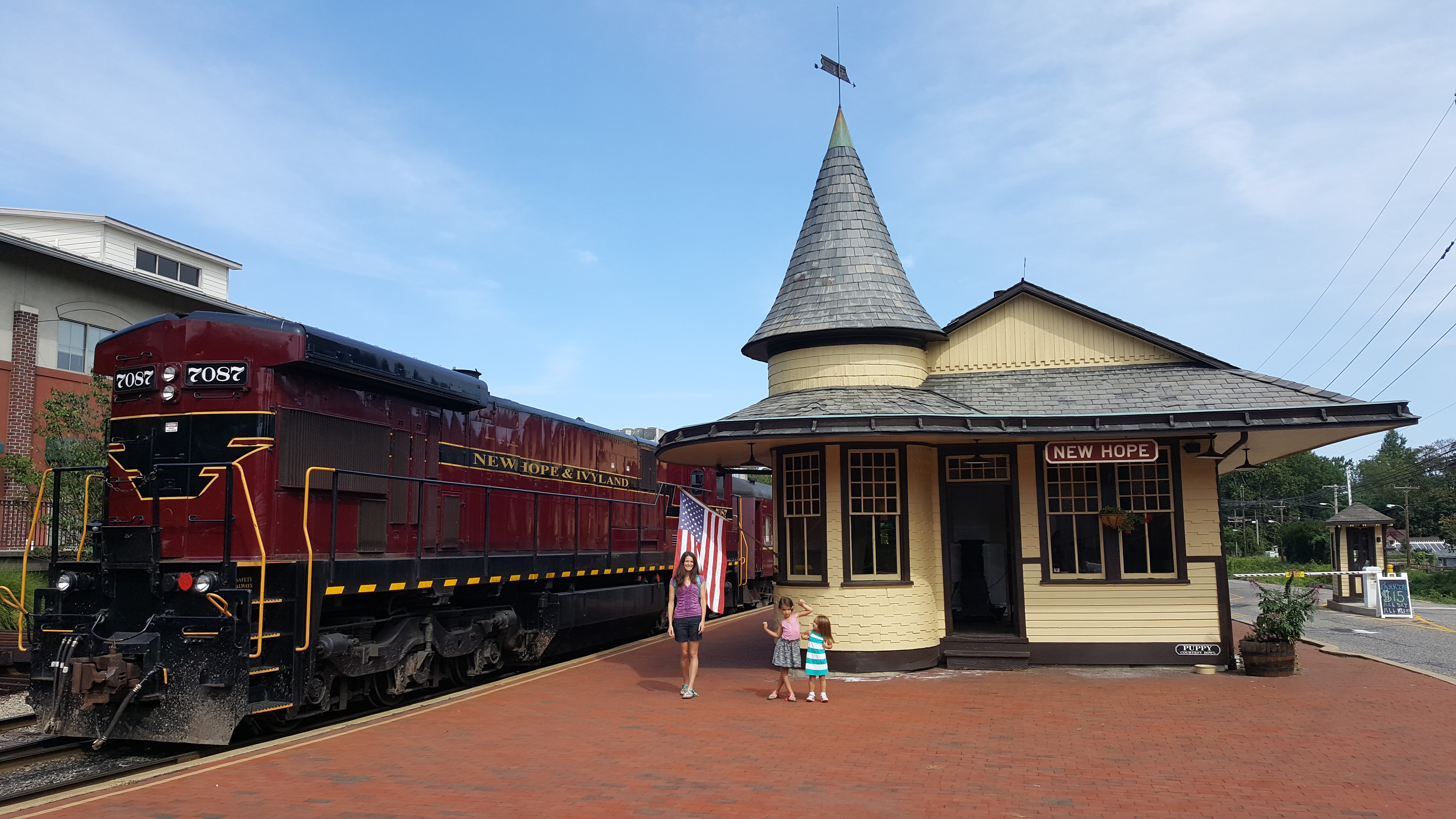 Peaceful Weekend Getaway In Bucks County, Pennsylvania - The New Hope & Ivyland Railroad - Found on www.theresasreviews.com