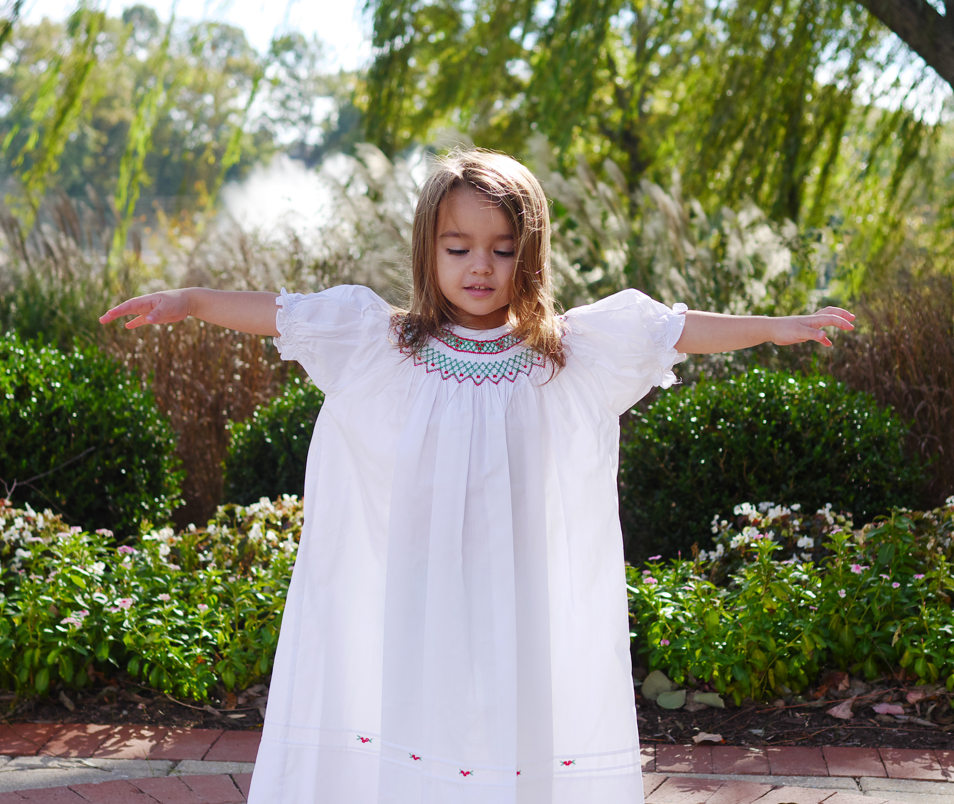 3 Tips To Make Your Children's Holiday Photo Session Go Smoothly featuring the Smocked Holiday Dress Feltman Brothers on Theresa's Reviews www.theresasreviews.com
