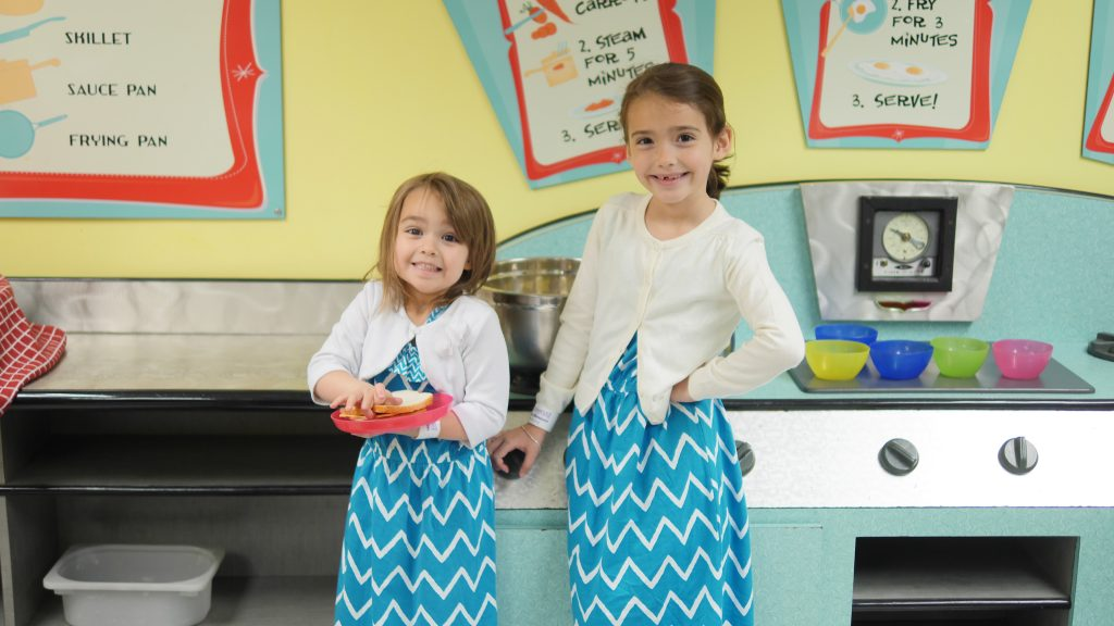 If your children enjoy playing with a toy kitchen, Port Discovery takes making a play meal to the next level!