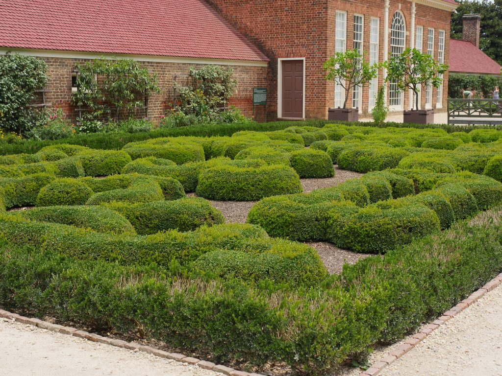 With trimmed hedges, the garden is a unique place to visit!