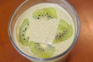 Banana Kiwi Matcha Shamrock Shake - Theresa's Reviews