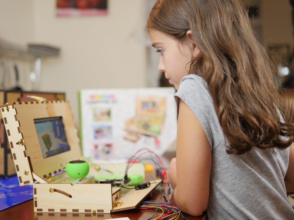 With the Piper Computer, children use the technology they enjoy while learning programming! - Theresa's Reviews 2017 Christmas Gift Guide For Children