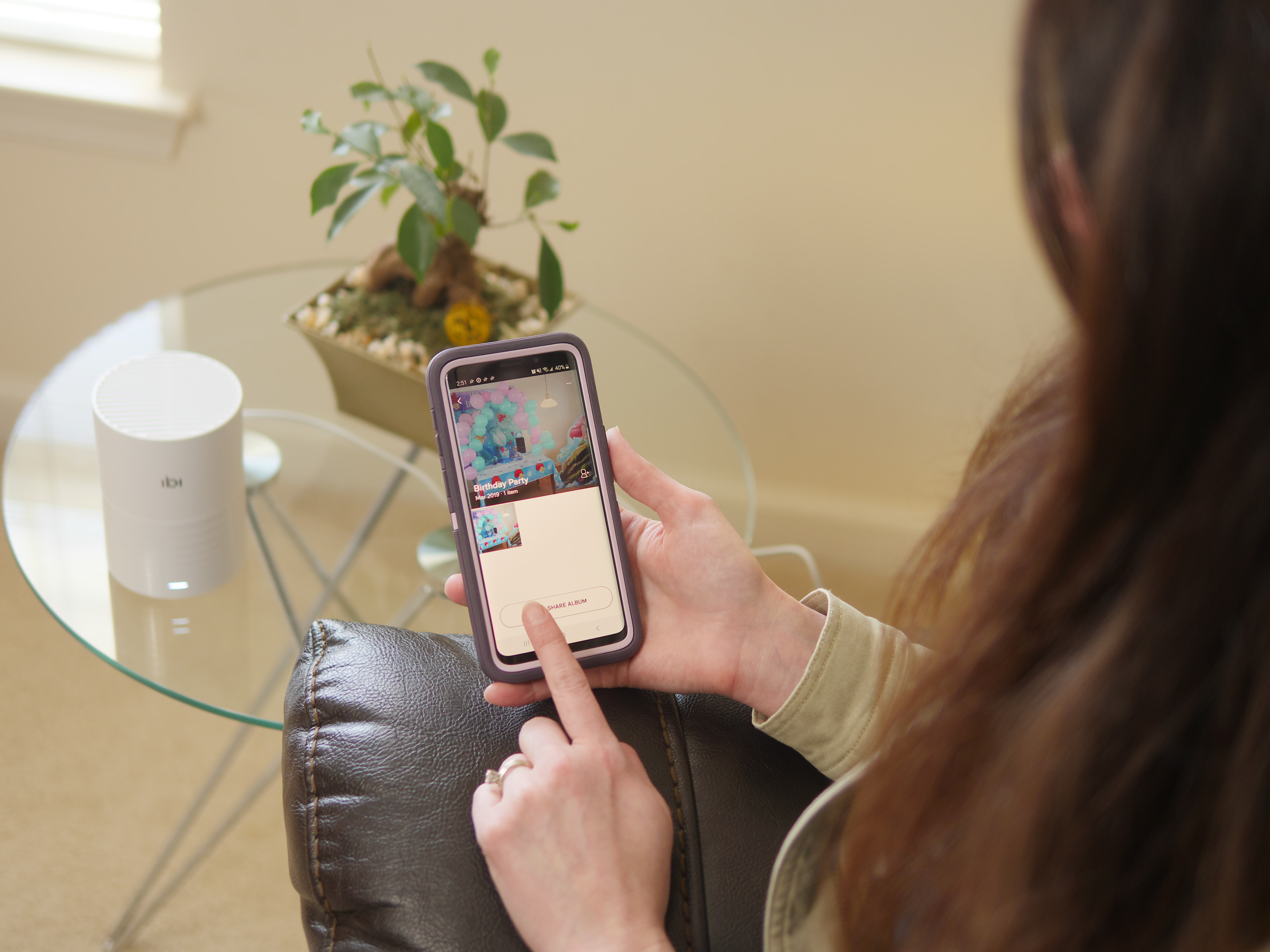 #Meetibi #IC #Sponsored - Not all moments are meant to be shared publicly. For sharing special occasions privately, ibi is a device that makes photo sharing simple. - Theresa's Reviews