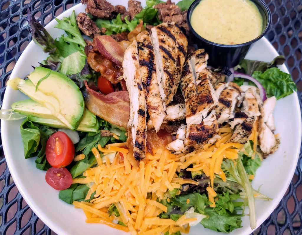 Road Trip Food: Maryland to Nashville - Southern Tré Steakhouse in Columbia, Tennessee - Theresa's Reviews