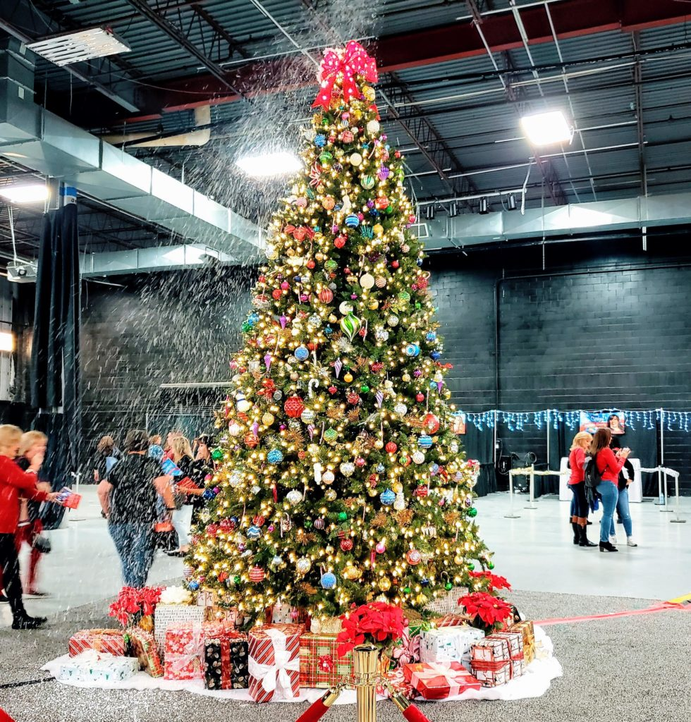 Deck the Convention Halls: Hallmark's Christmas Con is Coming to Town!