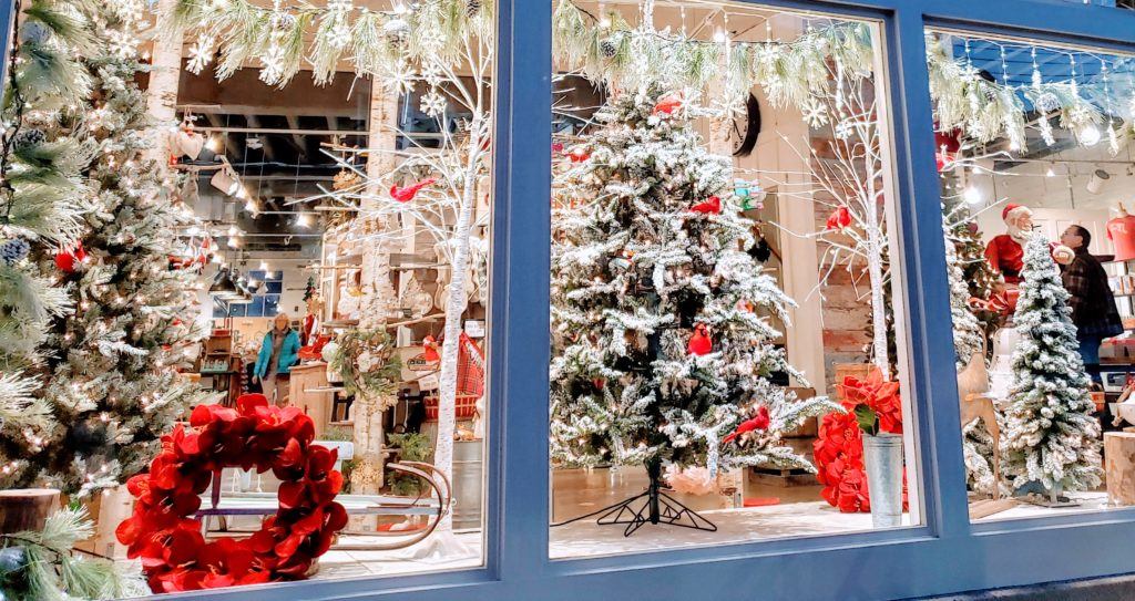 Old Ellicott City Charms Holiday Shoppers