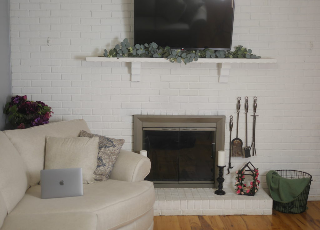 Decorating a Home Workspace to Inspire Productivity - Theresa's Reviews