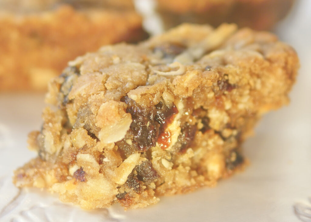 Whatever-You-Have-in-the-Pantry Baked Oats Recipe